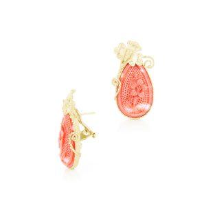 Orecchini Goccia di Corallo Rosso Incisa e Oro 18 kt