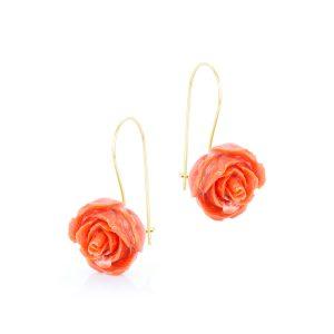 Orecchini a Rosa in Corallo Cerasuolo con gancio a Pompeiana in Oro 18 Kt